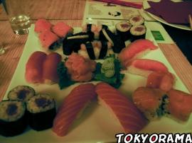 Moon sushi bar / sushi
